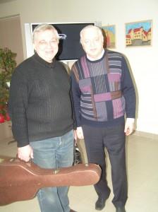 Справа - бард Никитин